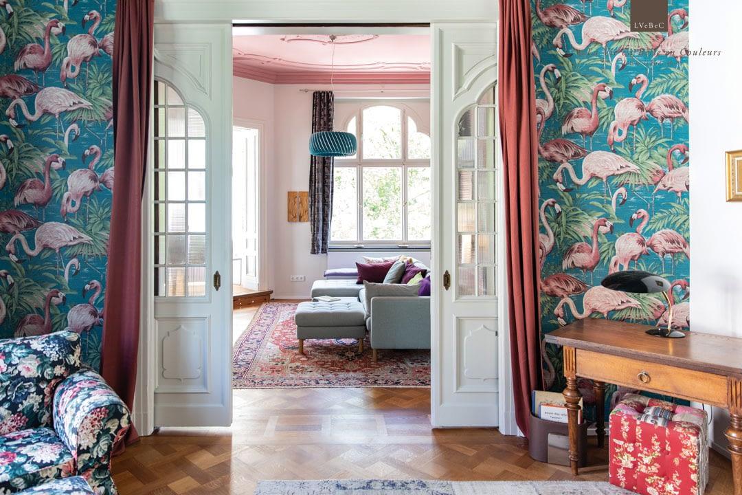 Farbkonzept Schlafzimmer und Salon mit Flamingo Tapete Avalon von Arte International