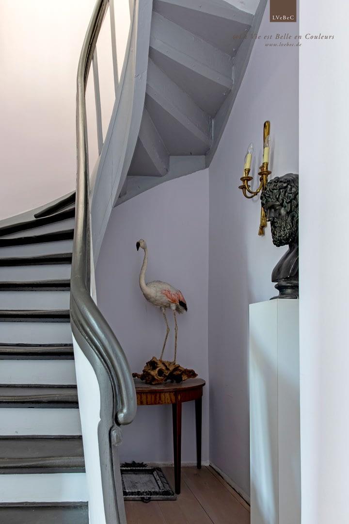 Farbkonzept fuer Flur und Treppe in Rosé und Grau